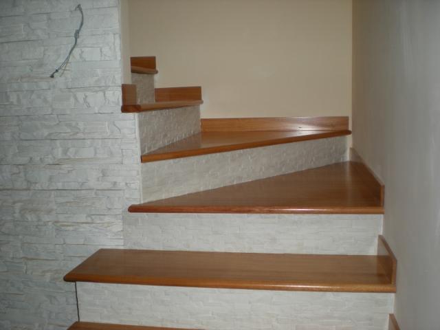 Pavimenti in legno roma - Immagini scale in legno ...